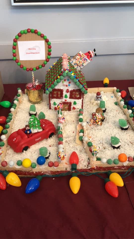 Cedar-View-Gingerbread-Houses-1