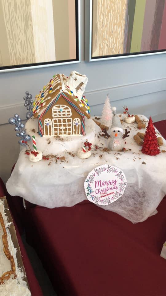 Cedar-View-Gingerbread-Houses-3