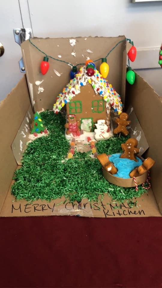 Cedar-View-Gingerbread-Houses-5